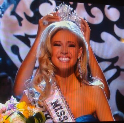 Hottie teen Miss Teen USA 2009 is Kristen Dalton from North Carolina.
