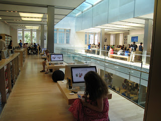 Apple Retail Experience where passionate employees differentiate the retail experience