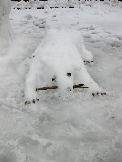 snow dog: fun snow ideas for things to make in the snow