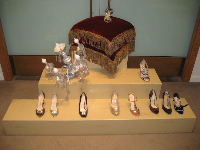 Manolo Blahnik Shoe Steps