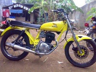 Modifikasi Honda CB 100 dengan mesing GL Tiger dan Megapro