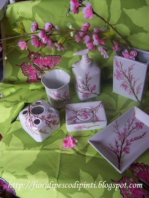 Fiori dipinti su porcellana e stoffa di cinzia defendi for Fiori di ciliegio dipinti