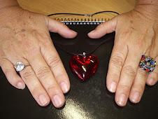 Un corazón y muchas manos