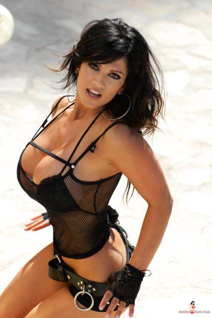hott-girls-huge-boobs