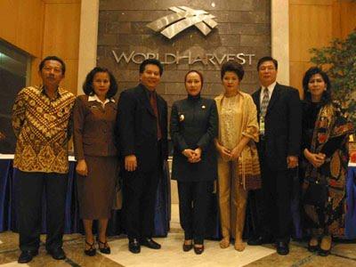 Prof. Dr. Hj. Ratu Atut Chosiyah, SE, MBA, MSi, MSc Adalah Kesayangan Presiden Megawati Soekarnoput