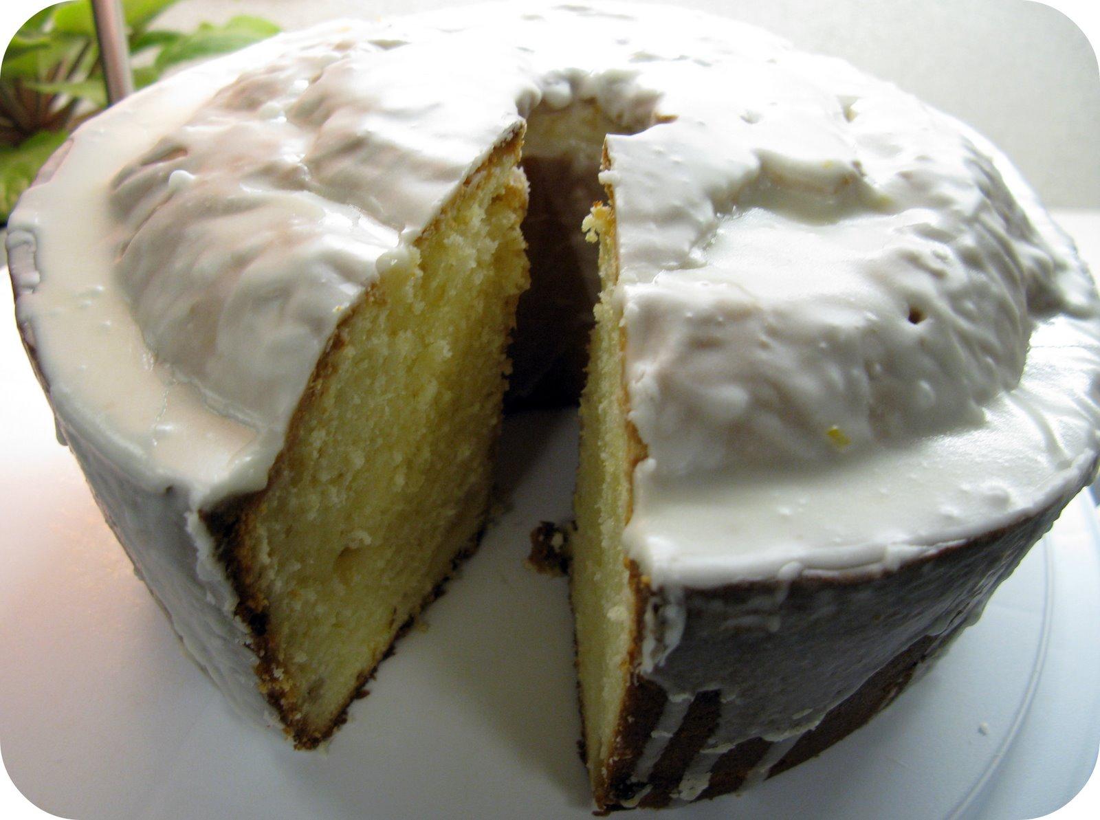 [lemoncake1.jpg]