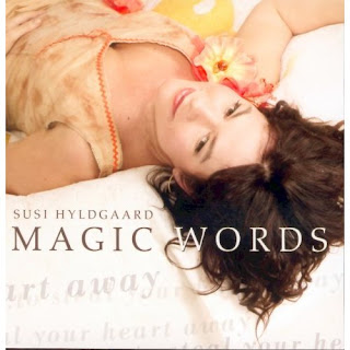 Susi Hyldgaards-Magic Words