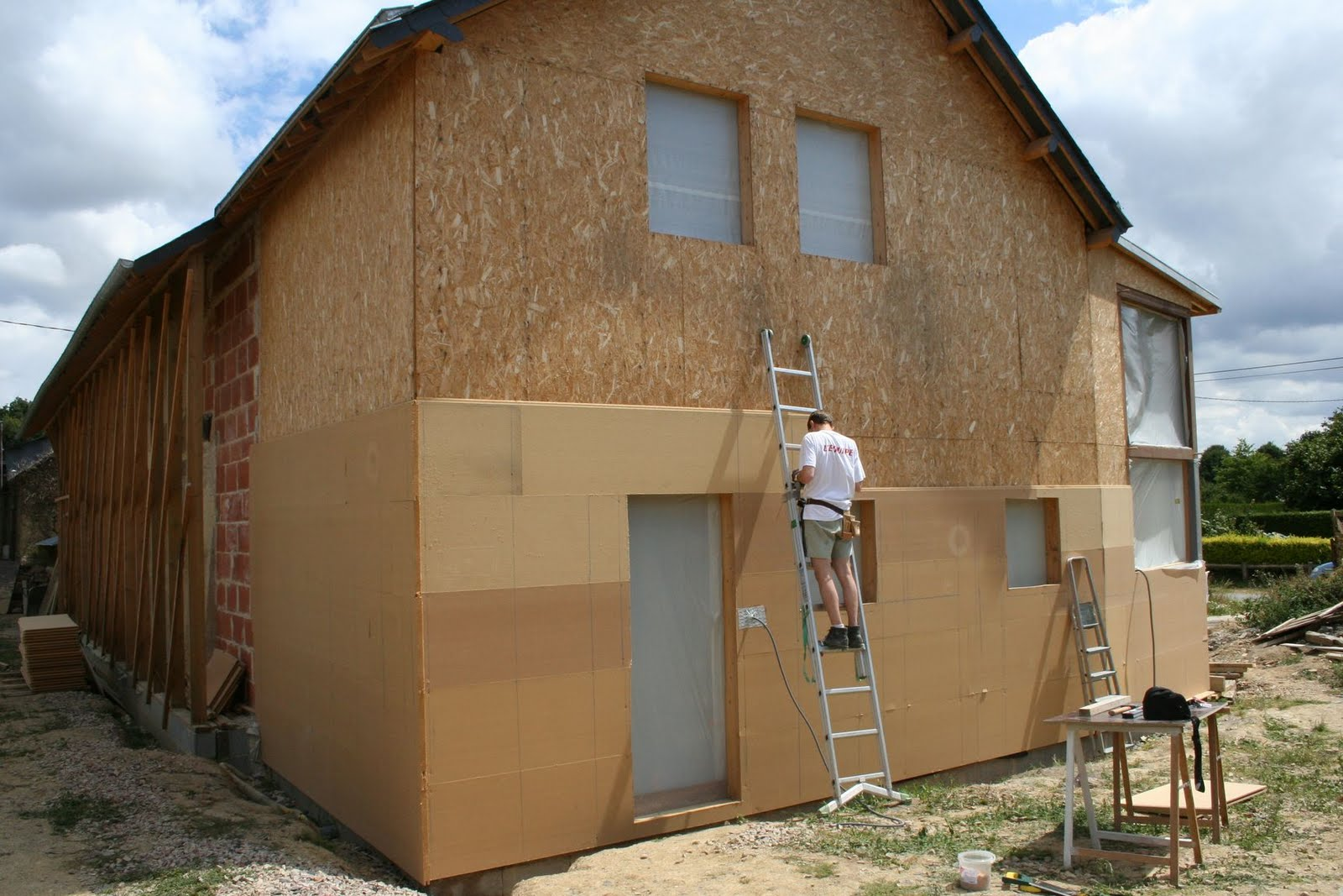 Le douet audray isolation de l 39 extension ossature bois for Osb exterieur pluie