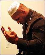 http://2.bp.blogspot.com/_jEwL4I5g1WQ/TJyr54Sa7xI/AAAAAAAABeU/V4qblogkPgo/s200/_183631_mike_tyson_prayers_150.jpg