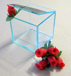 http://roeguilembrancas.blogspot.com.br/2008/10/caixinhas-de-vidro.html