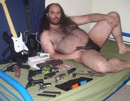 http://2.bp.blogspot.com/_jFyjh2goYtQ/TFQkft71SRI/AAAAAAAAAC0/_Yxpkh_uDh4/s1600/fat+naked+man+with+gun.jpg