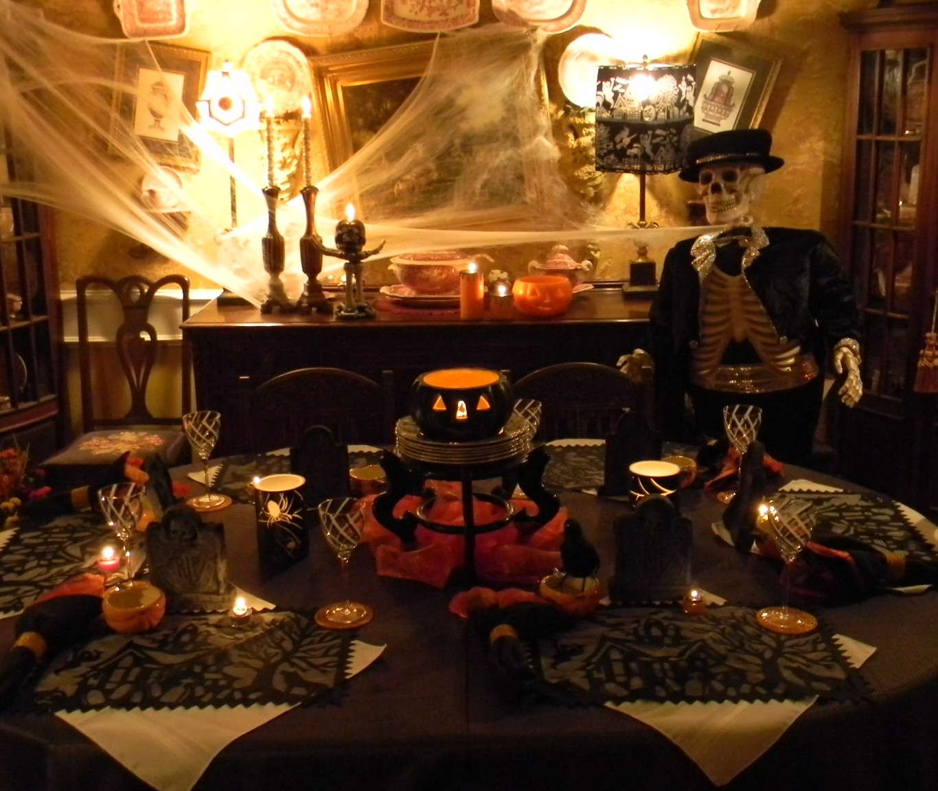 Nancy 39 S Daily Dish Halloween Tablescape By Bonehead Bob