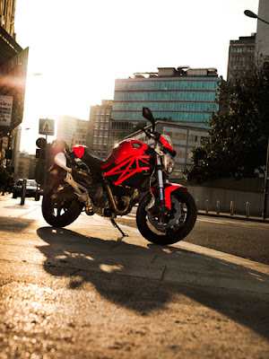 2010 Ducati Monster 696 motorcycle