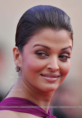 aishwarya_rai_hot_wallpaper_22_sweetangelonly.com