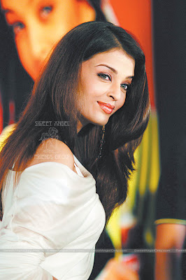 aishwarya_rai_hot_wallpaper_33_sweetangelonly.com