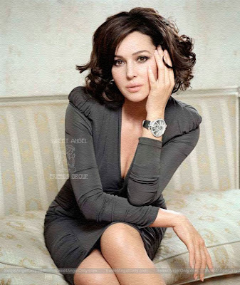 monica_bellucci_hot_wallpaper_02_sweetangelonly.com
