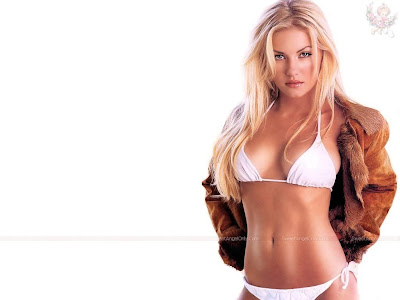elisha_cuthbert_hot_actress_wallpaper_14_sweetangelonly.com