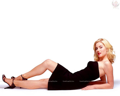 elisha_cuthbert_hot_actress_wallpaper_15_sweetangelonly.com