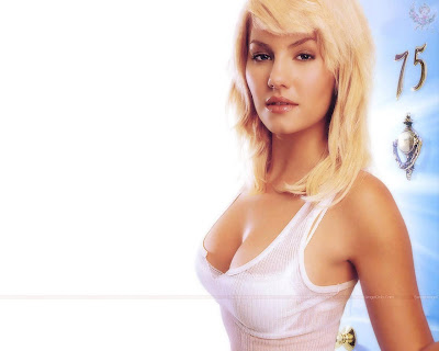 elisha_cuthbert_hollywood_hot_wallpaper_35_sweetangelonly.com