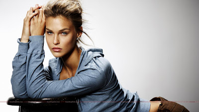 hollywood_hot_actress_glamour_wallpapers_10_sweetangelonly.com