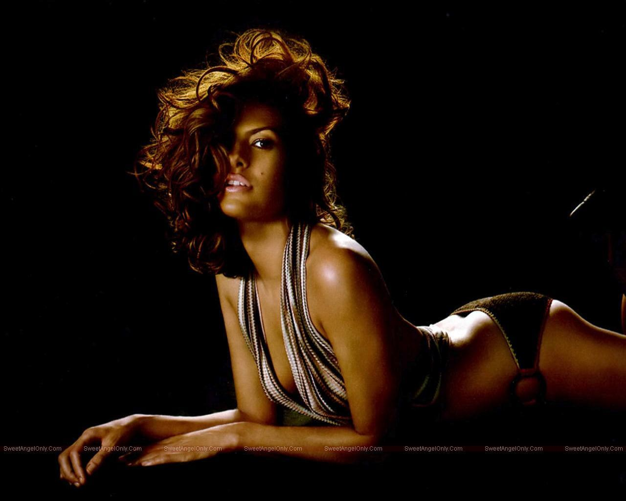 http://2.bp.blogspot.com/_jJPqWg6V3Y8/TUbBqVdkpKI/AAAAAAAAEGs/y4nE19thg-A/s1600/Eva_Mendes_Hot_Wallpapers__SweetAngelOnly_24.jpg