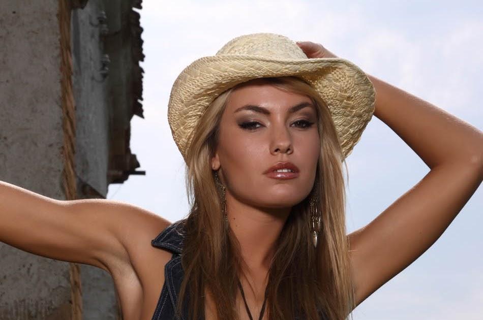 Veronika Fasterova Nude Photos 11