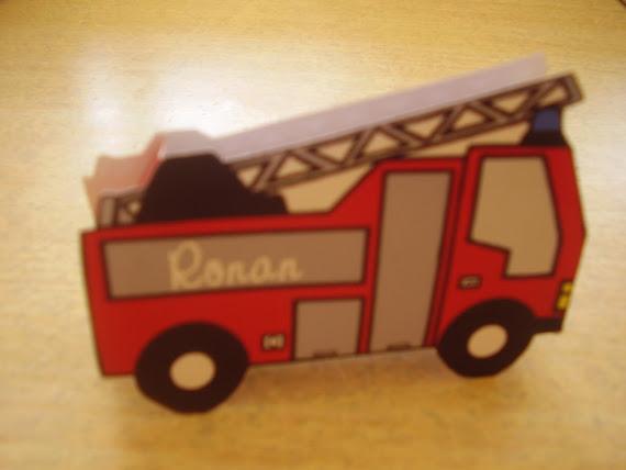 boite en forme de camion de pompier