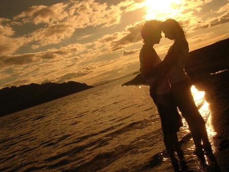 http://2.bp.blogspot.com/_jKR9IbmxlVk/TPPipeDbG5I/AAAAAAAAAC4/d-toueE4kmw/s1600/foto-pareja.jpg