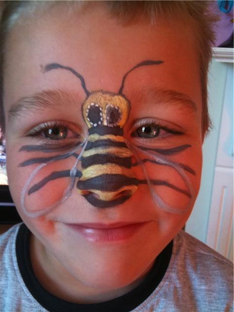 how to make a wasp costume