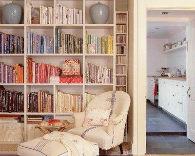 [Colouredbooks+via+Homes&gardensjpg]