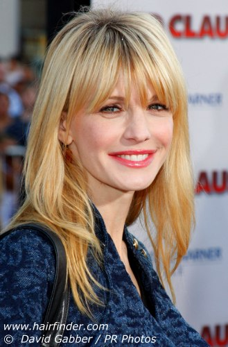 easy long hairstyle. kathryn morris sporting an easy hair style for a any