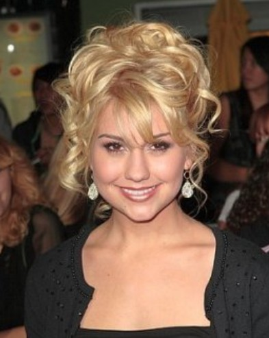2011 prom hairstyles for curly hair. 2011 prom hairstyle. Long hair
