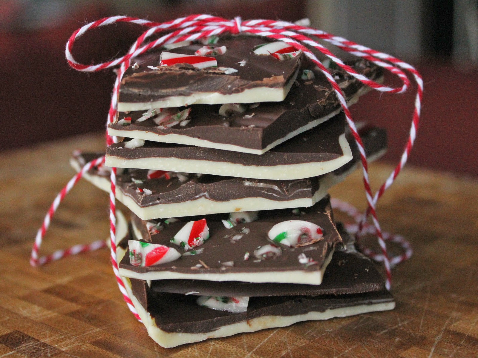Being Suzy Homemaker: Peppermint Chocolate Bark