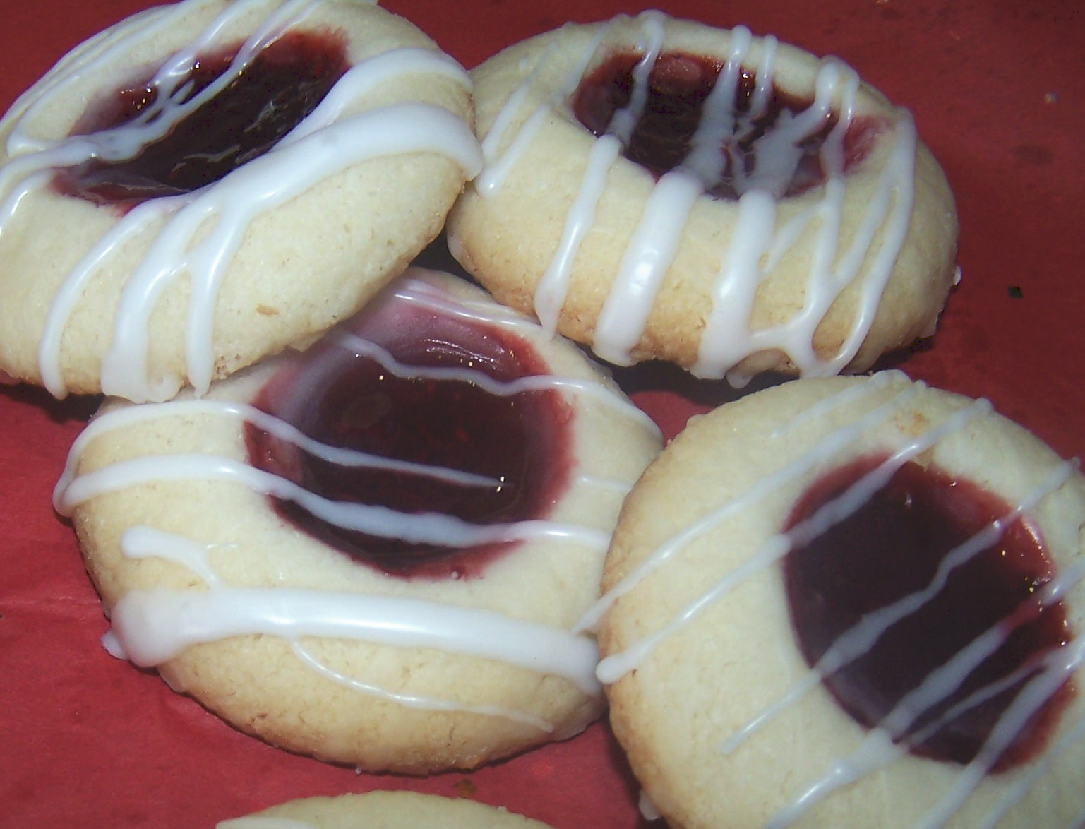 and almond thumbprints raspberry almond shortbread thumbprint cookies ...