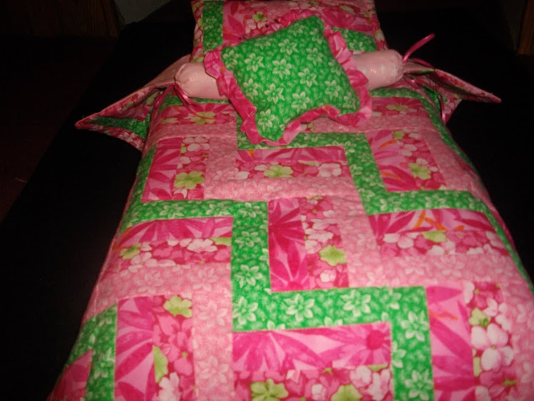 Doll bedding to fit 20 inch doll