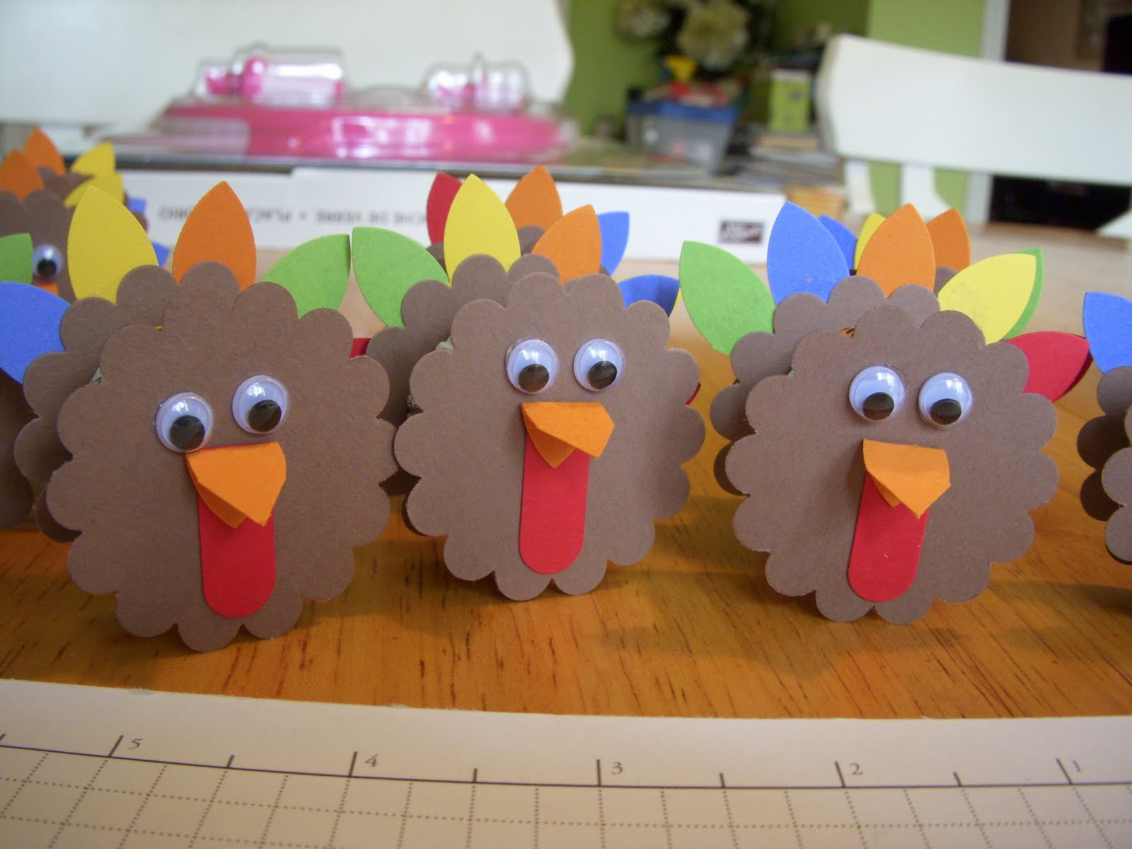 Joy in the everyday november 2009 for Thanksgiving craft ideas for kindergarten