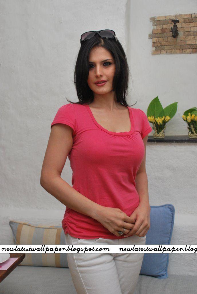 hot images of zarine khan. Hot Zarine Khan at Neha