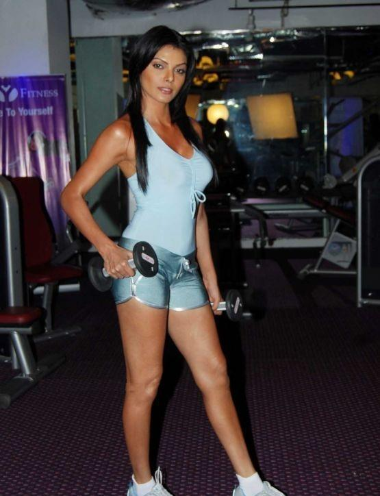 fitness wallpaper. Sherlyn Chopra fitness