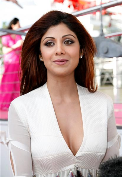 shilpa shetty in saree. Shilpa Shetty Hot Pictures amp;