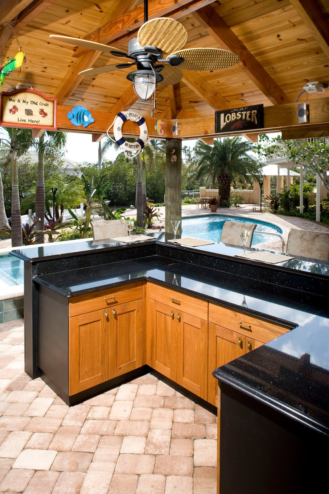 Bobby Outdoor Kitchen