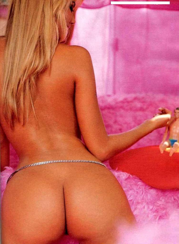 Ellen Roche Nude