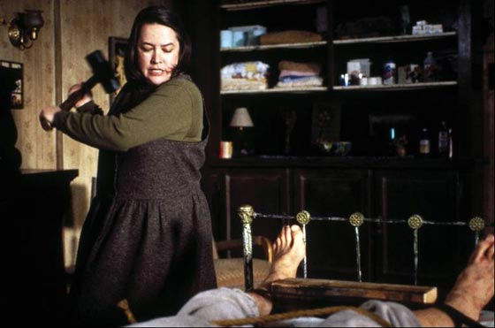 kathy+bates+hobbling+james+caan+in+misery.jpg
