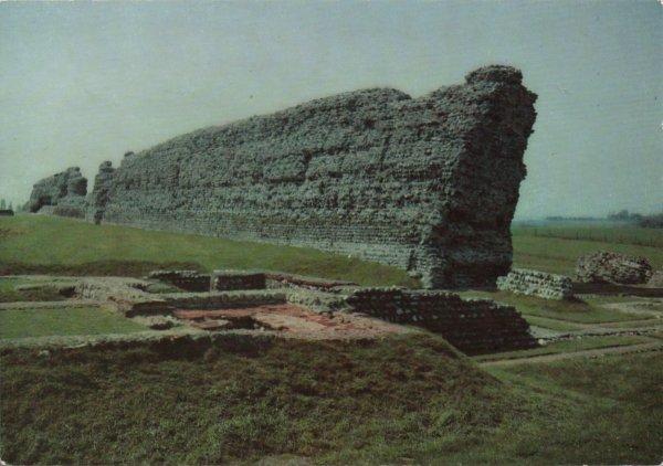 massive Roman wall Richborough Castle