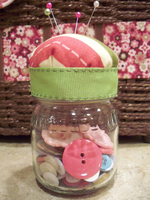 Baby Food Jar Pin Cushions & The Life of Jennifer Dawn: Baby Food Jar Pin Cushion Tutorial ...