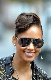 Alicia Keys sunglasses - Try Sleeping With a Broken Heart