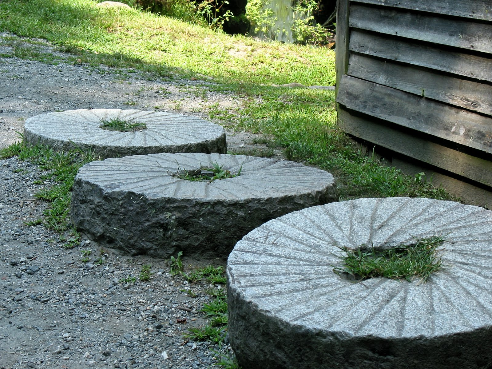 Grist Mill Grinding Stones http://big-green-turtle-adventures.blogspot.com/2010/08/blue-ridge-mtns-smoky-mtns.html
