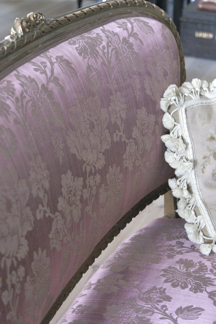 Love Your Homes: Anyone for pink..