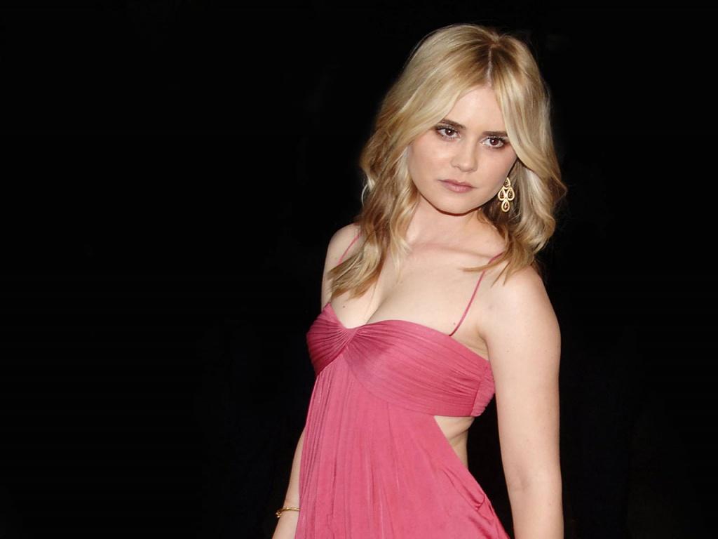 http://2.bp.blogspot.com/_jVoBtCkxXtI/TULSvQWA8YI/AAAAAAAAAEs/EHQ8bifmmLE/s1600/Alison_Lohman_actress_hot_wallpapers_1.jpg