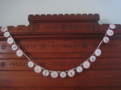 """I love the simplicity of this """"Happy Valentine's Day"""" banner by Paper"""