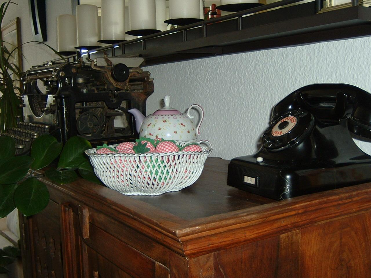 hannelores kreativstudio wasserschaden am parkett letzte runde das ende der arbeiten. Black Bedroom Furniture Sets. Home Design Ideas